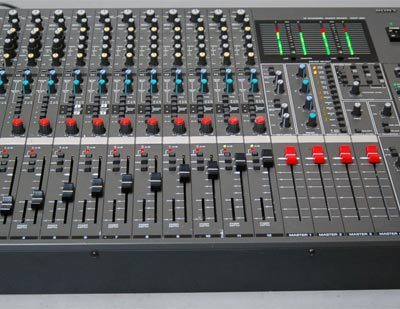 Soundcraft Spirit M12, 12 mono + 4 stereo + digital out-0