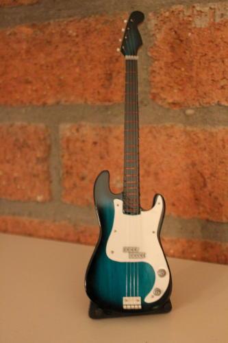 Miniatuur Precision Bass incl. stand (div. kleuren)-2658