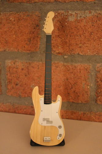 Miniatuur Precision Bass incl. stand (div. kleuren)-0