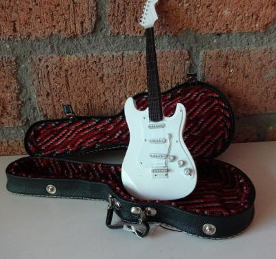 Miniatuur Stratocaster in koffer -0